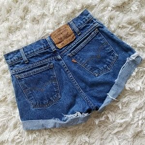 Vintage Levi's 550's high-waisted jeans shorts